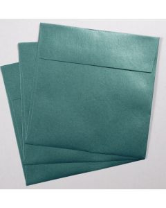 [clearance] Stardream Metallic - 7.5 in Square ENVELOPES - EMERALD - 25 PK
