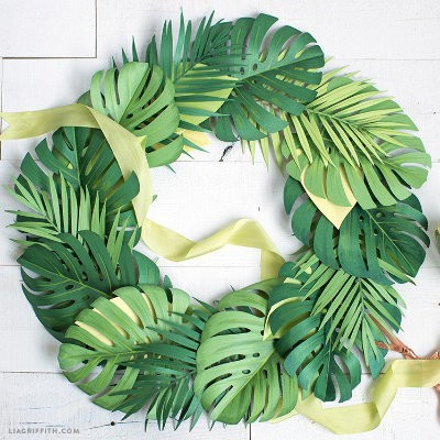 Paper Monstera Leaf Wreath Project by Lia